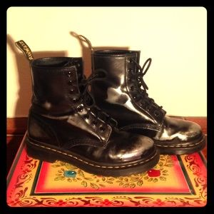 Dr. Martens Rub Off Leather Boots